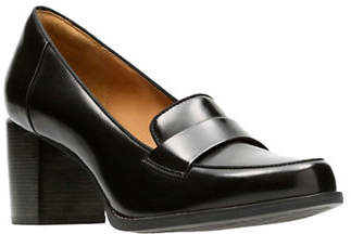 Clarks ARTISAN Loafer Style Leather Pumps