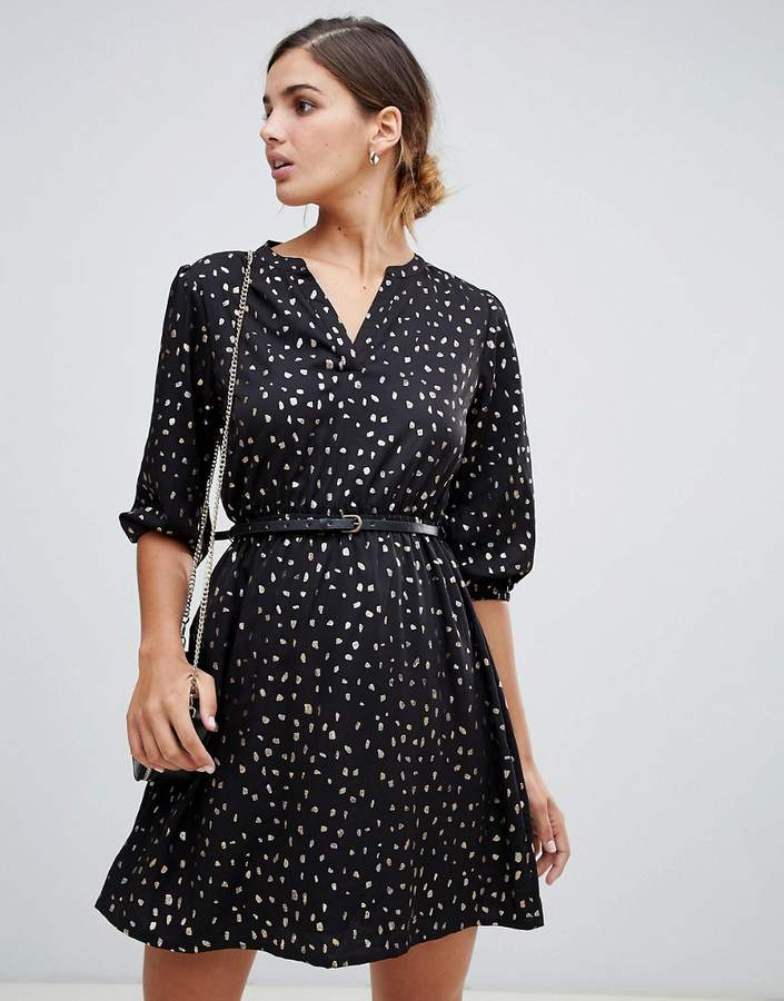 belted dress with 3/4 sleeves in foil splodge print