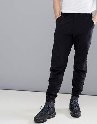 Peak Performance Civil Tapered Chino Jogger In Black