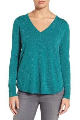 Caslon High-Low V-neck Sweater (Petite)