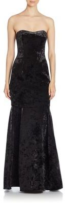 Black Halo Roslyn Trumpet Gown $800 thestylecure.com