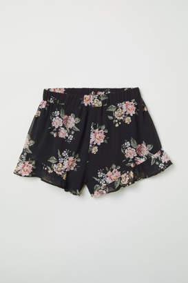 H&M Ruffle-trimmed Chiffon Shorts - Black