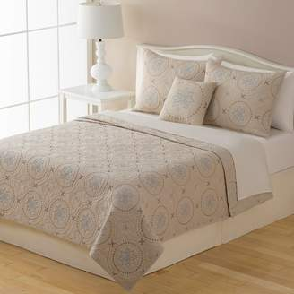 Home Classics New Traditions Kayla Quilt