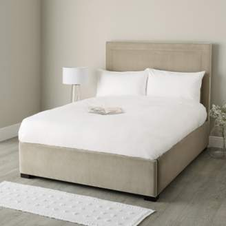 The White Company Cavendish Velvet Bed
