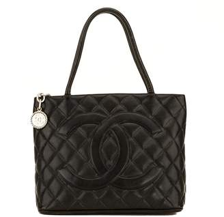 Chanel Black Quilted Caviar Medallion Tote (4110001)