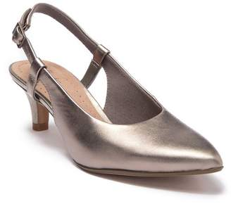 Clarks Linvale Loop Leather Slingback Sandal