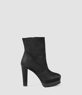 Gosset Shearling Boot $450 thestylecure.com
