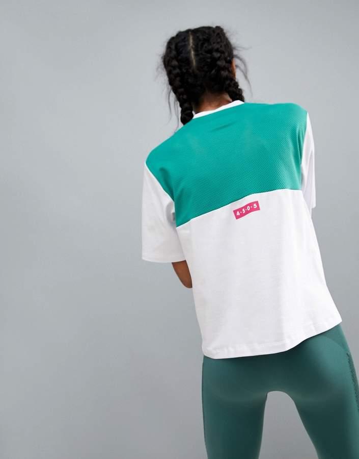 ASOS 4505 – Sport-T-Shirt mit kontrastierendem, atmungsaktivem Netzeinsatz