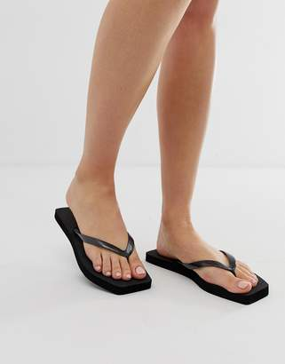 fd4da8075 Asos Design DESIGN Fan square toe flip flops in black