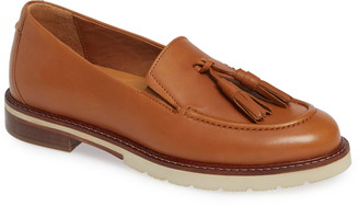 Samuel Hubbard Tasseled Traveler Loafer