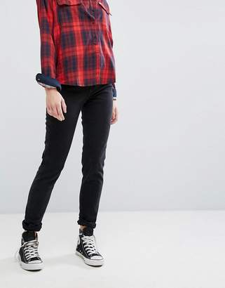 Lee Tapered Mom Jean
