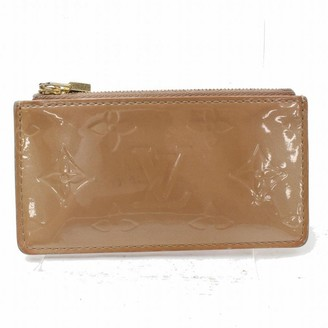 Louis Vuitton Beige Patent leather Clutch bags