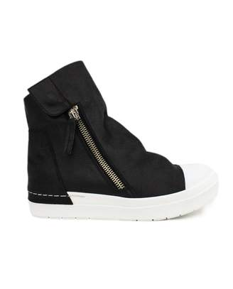 Cinzia Araia High-top Sneaker In Black Leather.