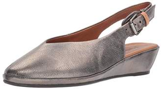 Gentle Souls by Kenneth Cole Women's Noemi Slingback Low Wedge Shoe