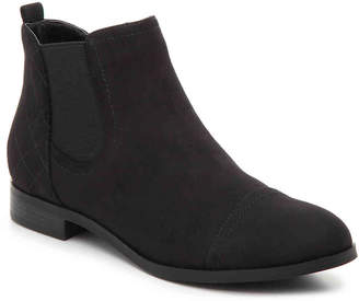 Unisa Tayes Chelsea Boot - Women's