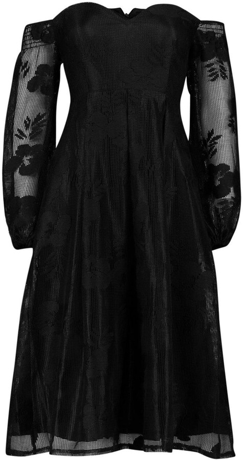 boohoo Boutique Le Lace Bardot Long Sleeved Dress