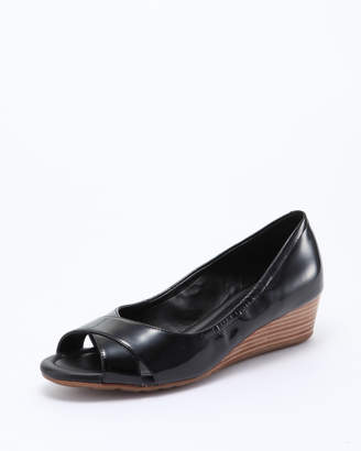 Cole Haan (コール ハーン) - Cole Haan Women MELINA OPEN TOE WEDG:BLACK PAT