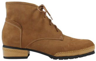 L'amour Des Pieds L'Amour Des Pieds Leather Lace-Up Chukka Booties - Finleigh