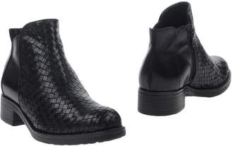 Donna Più Ankle boots - Item 11253246DJ