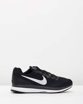 Nike Men's Pegasus 34 Running Shoes
