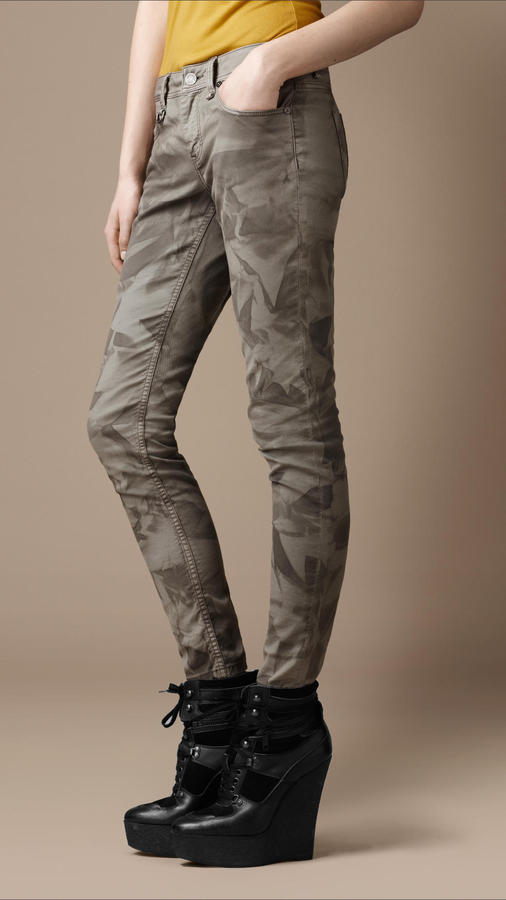Burberry Westbourne Leaf Print Skinny Jeans