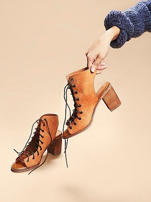 Minimal Lace Up Heel by Jeffrey Campbell x Free People $178 thestylecure.com