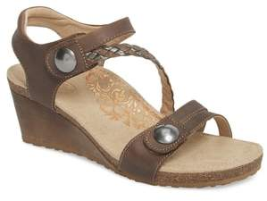 Aetrex 'Naya' Wedge Sandal