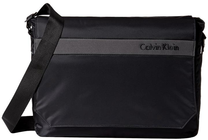 Calvin KleinCalvin Klein Flatiron 3.0 Messenger Bag