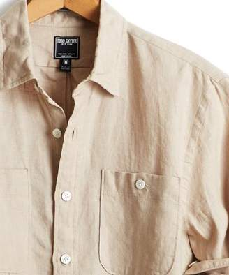Todd Snyder Slim Fit Linen Two Pocket Shirt in Khaki