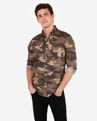 Express Slim Camo Poplin Soft Wash Shirt
