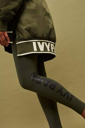 Ivy Park Logo ankle length legging
