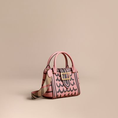 Burberry  Burberry The Small Buckle Tote in Trompe L'oeil Print Leather