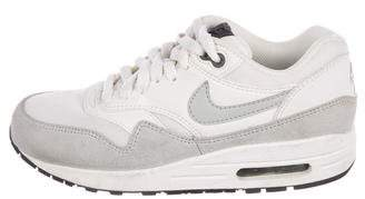 Nike 1 Essential Low-Top Sneakers