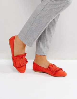 Glamorous Red Fringed Loafers