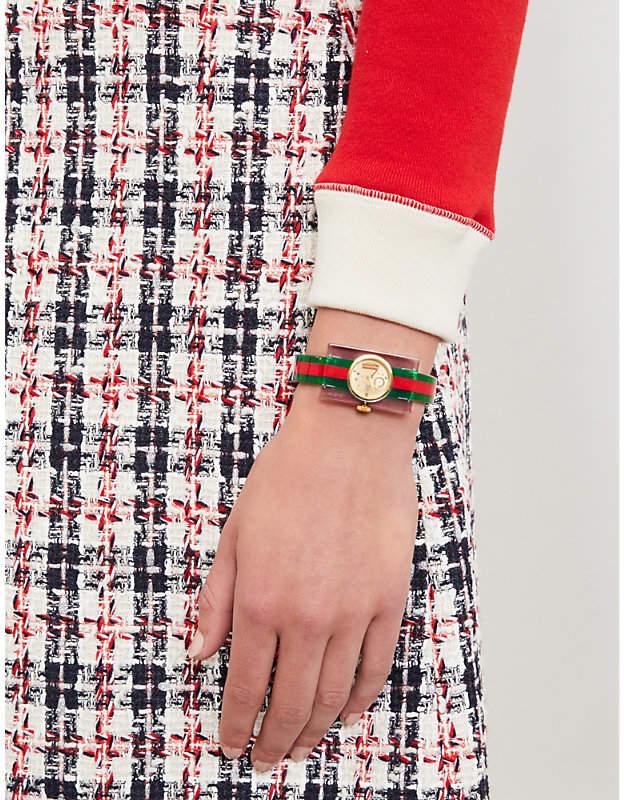 625d3fa9b5d Gucci YA143501 Plexiglas bangle watch detail image