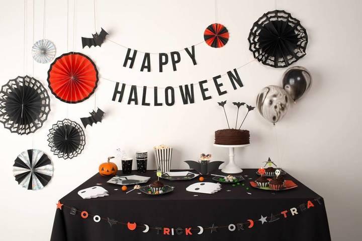 Domino Halloween Party