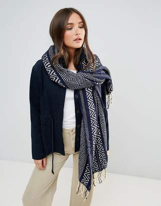 Lavand Oversized Knitted Scarf