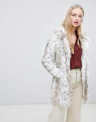 New Look faux fur coat in white pattern