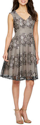 J Taylor Sleeveless Floral Lace Shift Dress