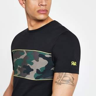 River Island Mens Black slim fit camo blocked T-shirt