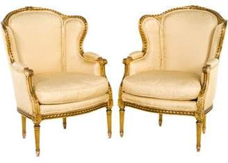 R & E Pair of Louis XVI-Style Bergà ̈re Armchairs White Pair of Louis XVI-Style Bergà ̈re Armchairs