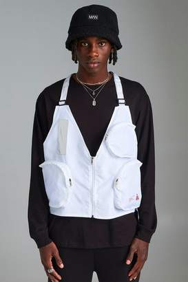 boohoo MAN Utility Vest With Strap Detail