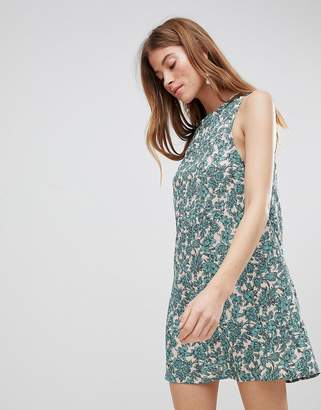Glamorous Sleeveless Shift Dress With Tie Back In Floral