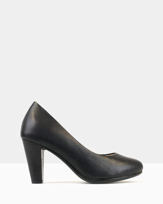 betts Hawk Heeled Pumps