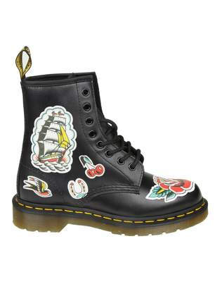 Dr. Martens chris Boots In Black Leather With Prints
