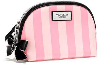Victoria's Secret Medium Beauty Bag $13.20 thestylecure.com