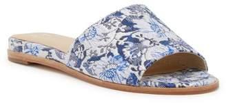 Marc Fisher Wyndi 2 Slide Sandal