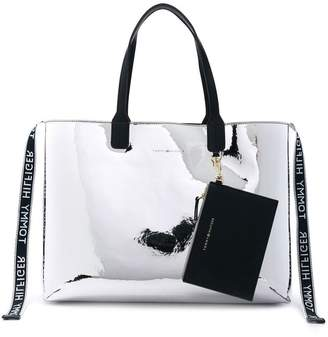 Tommy Hilfiger (トミー ヒルフィガー) - Tommy Hilfiger square shaped tote bag