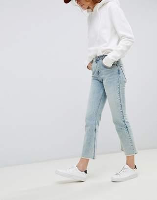 D+art's ASOS DESIGN Egerton rigid cropped flare jeans with darts in light vintage wash
