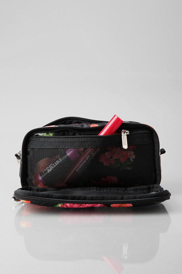 Le Sport Sac Rose Makeup Bag